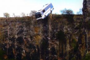 car-teeter-Casualty-Bus-4